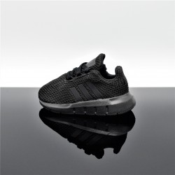 ADIDAS Swift Run Noir/Noir Bébé F34321